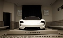 Porsche-Opens-Its-First-Pop-Up-Store-in-Spain-Hero