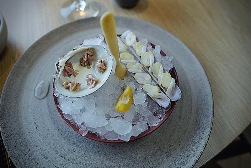 Noma-Mahogany-clam-and-razor-clam